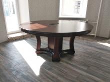 стол круглый с блоком розеток