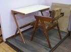 стол письменный с розетками
